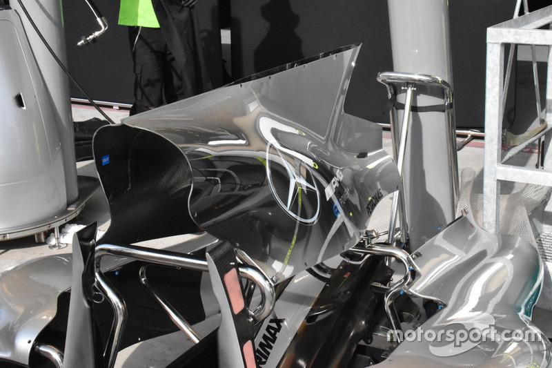 Mercedes AMG F1 W08, la cubierta del motor