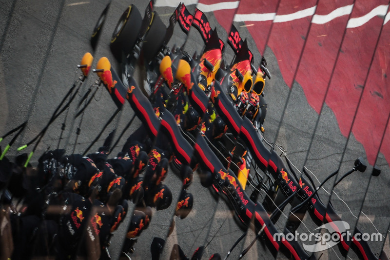 Miércoles: Max Verstappen, Red Bull Racing RB13