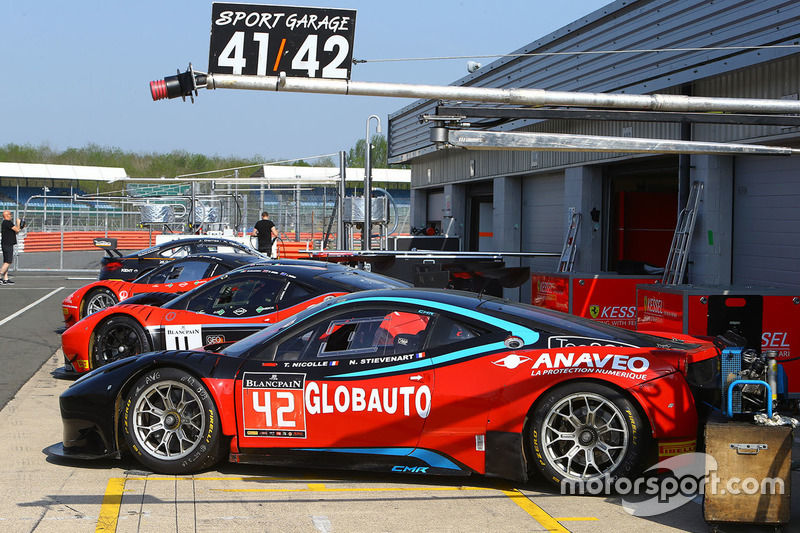 #42 CMR with Sport Garage, Ferrari 458 Italia GT3: Nyls Stievenart, Jörg Viebahn, Thomas Nicolle