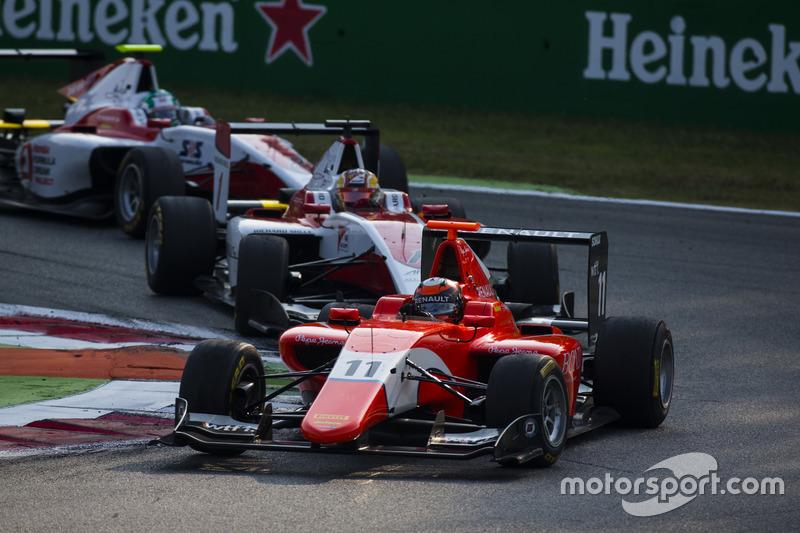Jack Aitken, Arden International leads Charles Leclerc, ART Grand Prix and Nirei Fukuzumi, ART Grand Prix
