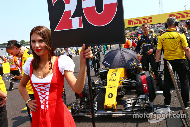 f1-hungarian-gp-2016-grid-girl-for-kevin