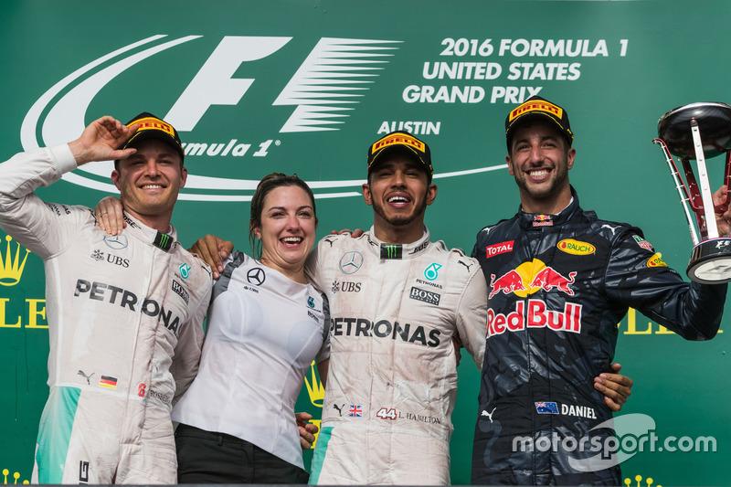 2016: Lewis Hamilton (Mercedes W07)