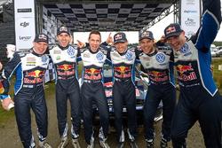 Miikka Anttila, Anders Jäger, Julien Ingrassia, Sébastien Ogier, Andreas Mikkelsen, Jari-Matti Latvala, Volkswagen Motorsport are celebrating