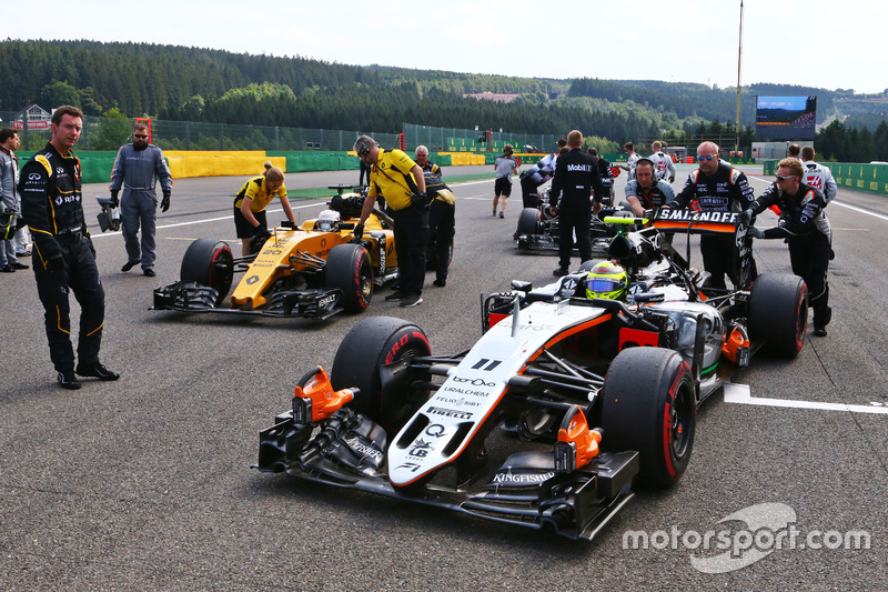 Sergio Perez, Sahara Force India F1 VJM09 in griglia