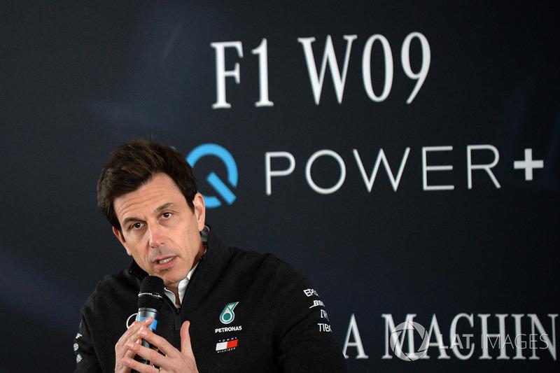 Руководитель Mercedes AMG F1 Тото Вольф