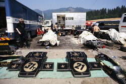 Parts of the Lotus 72D in the paddock