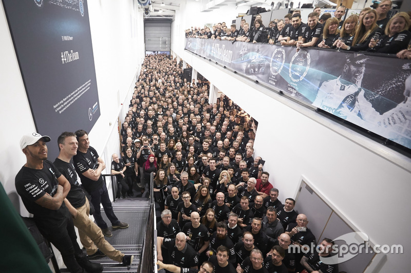Льюис Хэмилтон, Mercedes AMG F1, Тото Вольф, исполнительный директор Mercedes AMG F1