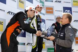 Rookie Podium: Joey Mawson, Van Amersfoort Racing, Dallara F317 - Mercedes-Benz