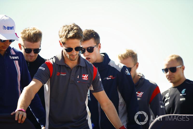 Romain Grosjean, Haas F1 Team, Esteban Ocon, Force India, Nico Hulkenberg, Renault Sport F1 Team, Daniil Kvyat, Scuderia Toro Rosso, Kevin Magnussen, Haas F1 Team, Valtteri Bottas, Mercedes AMG F1, en el desfile