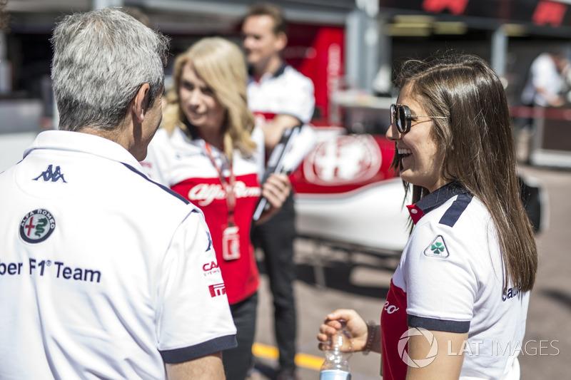 Tatiana Calderon, tester Sauber e Xevi Pujolar, Capo dell'ingegneria in pista Sauber