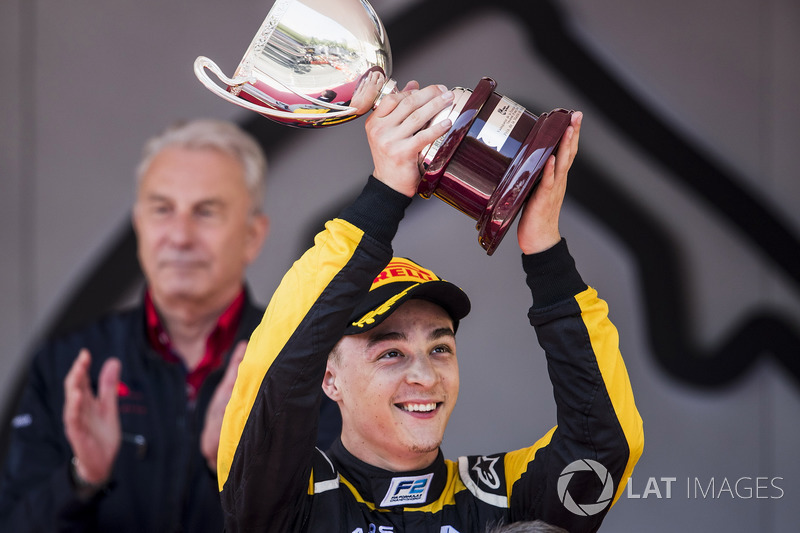 Podio: Artem Markelov, RUSSIAN TIME