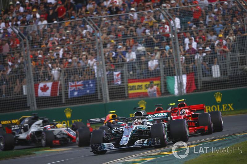 Lewis Hamilton, Mercedes AMG F1 W09, Kimi Raikkonen, Ferrari SF71H, Sebastian Vettel, Ferrari SF71H, Kevin Magnussen, Haas F1 Team VF-18 Ferrari, Max Verstappen, Red Bull Racing RB14 Tag Heuer