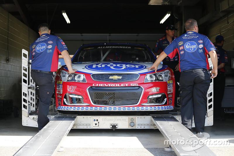 L'auto di A.J. Allmendinger, JTG Daugherty Racing Chevrolet, durante le verifiche
