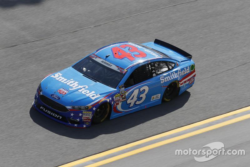 25. Aric Almirola, Richard Petty Motorsports, Ford