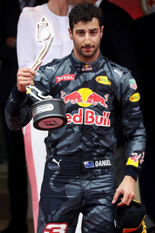 Daniel Ricciardo, Red Bull Racing auf dem Podium