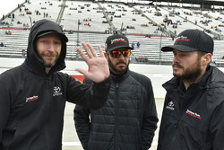 Martin Truex Jr., Furniture Row Racing Toyota, mit Crewchief Cole Pearn