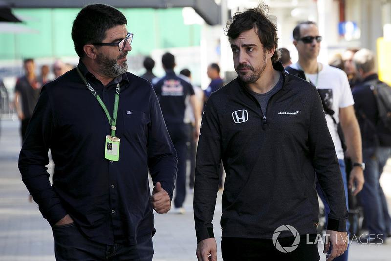 Fernando Alonso, McLaren y su manager, Luis Garcia Abad (ESP)