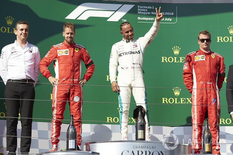 Podio: ganador de la carrera Lewis Hamilton, Mercedes AMG F1, segundo clasificado Sebastian Vettel, Ferrari, tercer clasificado Kimi Raikkonen, Ferrari