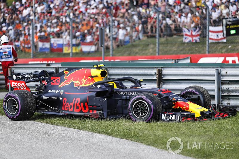 Another retirement for Verstappen