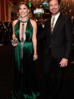Kurt Busch, Stewart-Haas Racing Ford, mit Ehefrau Ashley van Metre