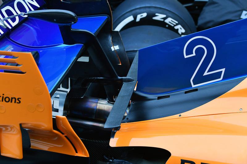 Detalle trasero del McLaren MCL33