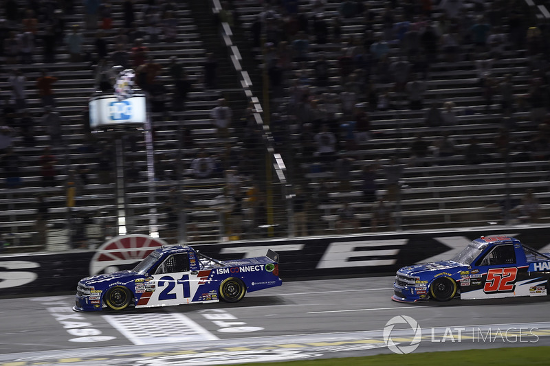 Johnny Sauter, GMS Racing, Chevrolet Silverado ISM Connect, crosses the finish line to win in Texas
