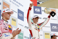 Podium: Race winner Callum Ilott, Prema Powerteam, Dallara F317 - Mercedes-Benz