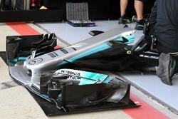 Mercedes-Benz F1 W08, alerón delantero
