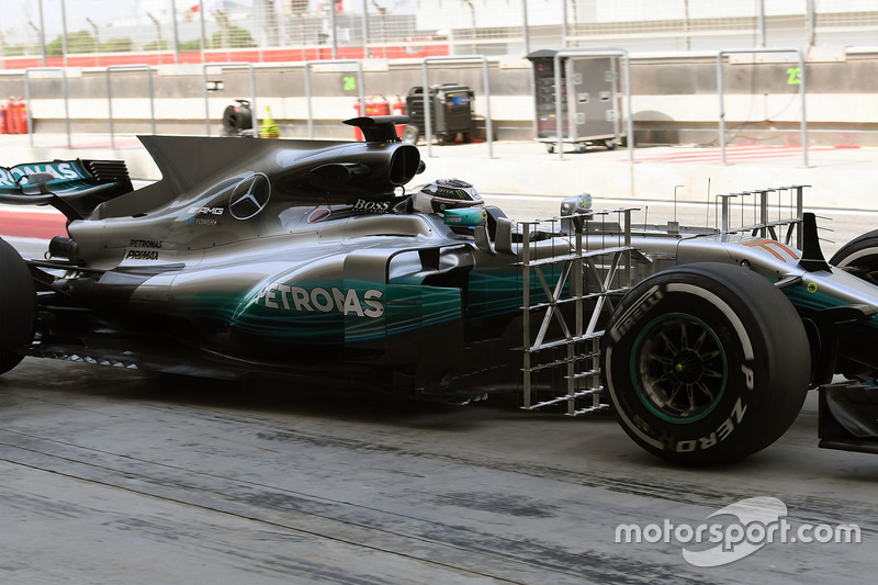 Valtteri Bottas, Mercedes AMG F1 W08 with aero sensors
