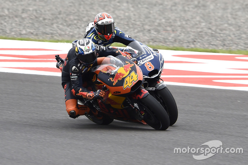 Pol Espargaro, Red Bull KTM Factory Racing; Hector Barbera, Avintia Racing