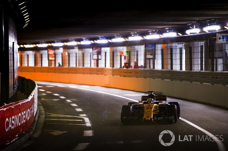 """<img src=""""https://cdn-2.motorsport.com/static/img/cfp/0/0/0/100/142/s3/monaco-2.jpg"""" alt="""""""" width=""""20"""" height=""""12"""" />Тоннель (уличная трасса в Монако)"""