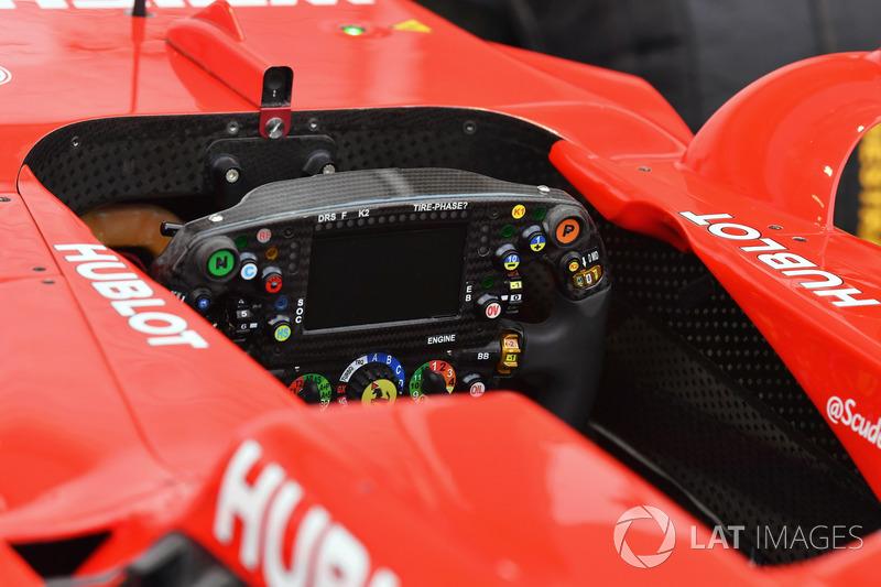 Ferrari SF70H: Lenkrad