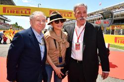Jean Todt, Presidente de la FIA y esposa Michelle Yeoh, Chase Carey, Director Ejecutivo y Presidente Ejecutivo de la fórmula de un grupo