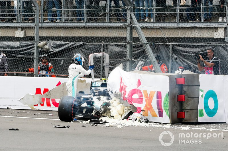 Valtteri Bottas, Mercedes AMG W10 after the crash