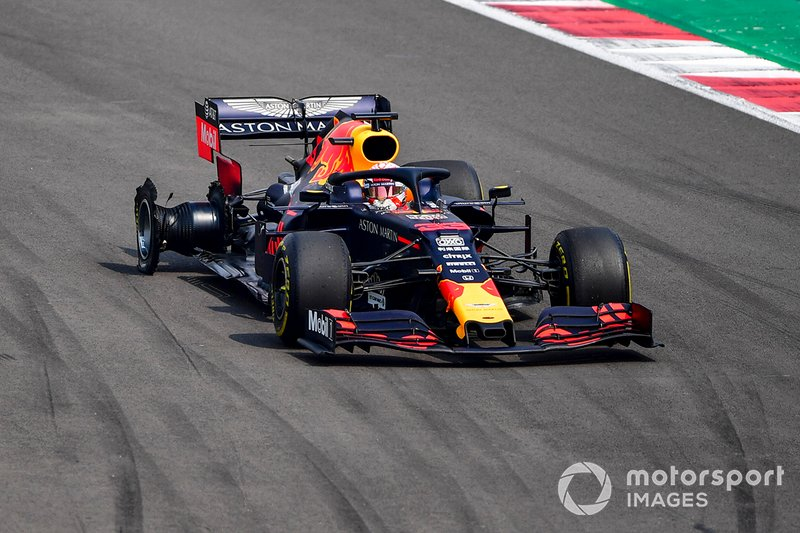 Max Verstappen, Red Bull Racing RB15, victime d'une crevaison