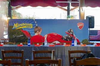 Atmosfera prima della conferenza stampa