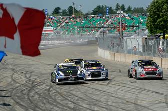 Johan Kristoffersson, PSRX Volkswagen Sweden leads at the start