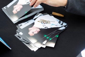 Stoffel Vandoorne, HWA Racelab autograph cards