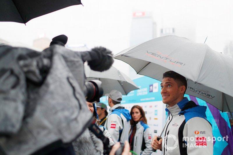 Edoardo Mortara, Venturi Formula E talks to the media