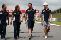 Pierre Gasly, Scuderia Toro Rosso walks the track