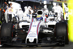 Felipe Massa, Williams FW40, sale de un pit stop