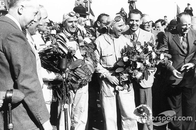 O piloto que teve a honra de levar a marca a sua primeira conquista e ao primeiro título da história da F1 foi o italiano Giuseppe Farina.