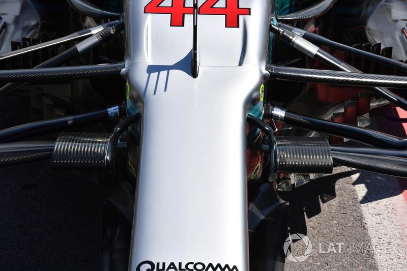 Mercedes-Benz F1 W08: Frontpartie mit Aufhängung