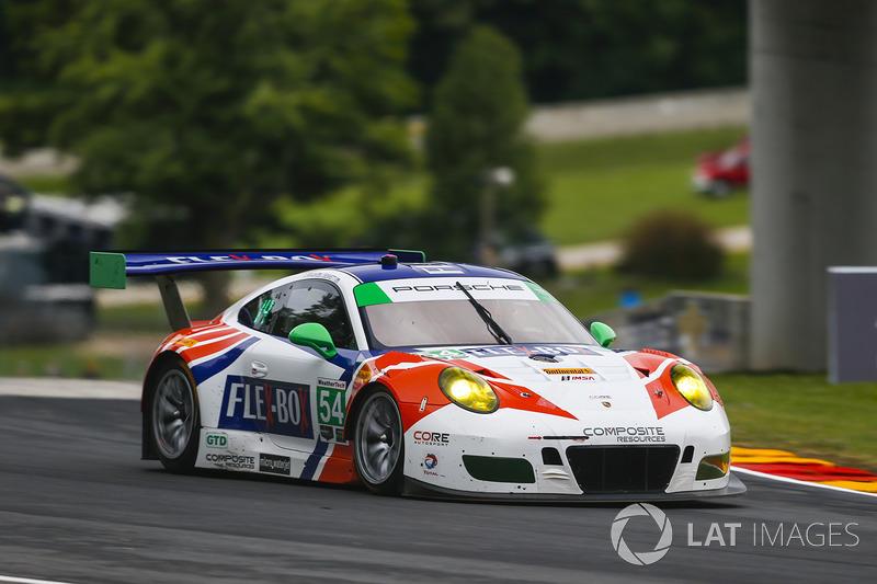 #54 CORE autosport Porsche 911 GT3R: Джон Беннет, Колін Браун