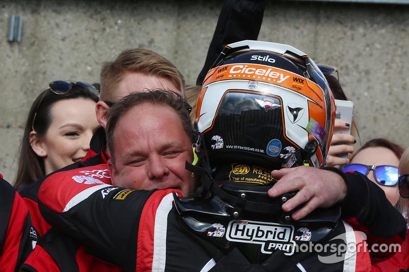 3. Adam Morgan, Ciceley Motorsport with Mac Tools, Mercedes Benz A-Klasse