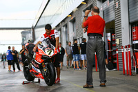 La moto di Chaz Davies, Ducati Team