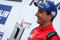 Podio: ganador de la carrera Alfonso Celis Jr., Fortec Motorsports