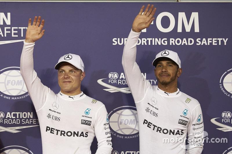 Le poleman Valtteri Bottas, Mercedes AMG, le second Lewis Hamilton, Mercedes AMG