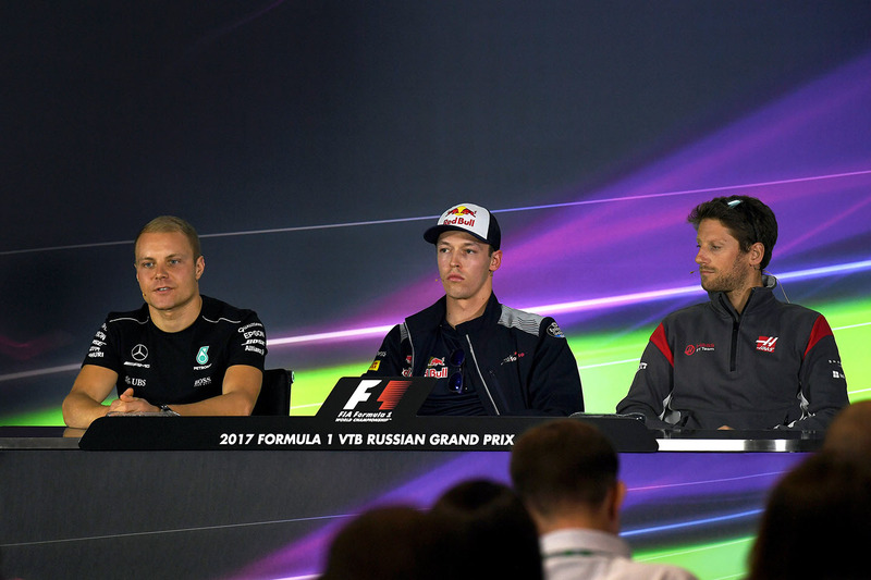 Valtteri Bottas, Mercedes AMG F1, Daniil Kvyat, Scuderia Toro Rosso and Romain Grosjean, Haas F1 Team in the Press Conference