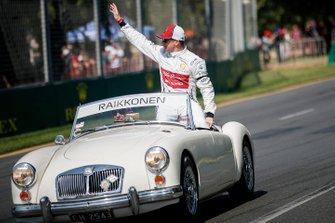 Kimi Raikkonen, Alfa Romeo Racing C38, in the drivers parade